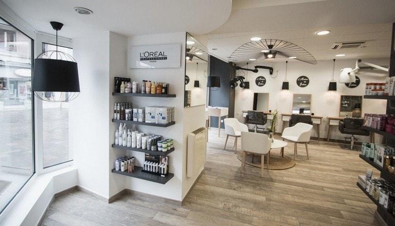 Eclairage d\'un salon de coiffure